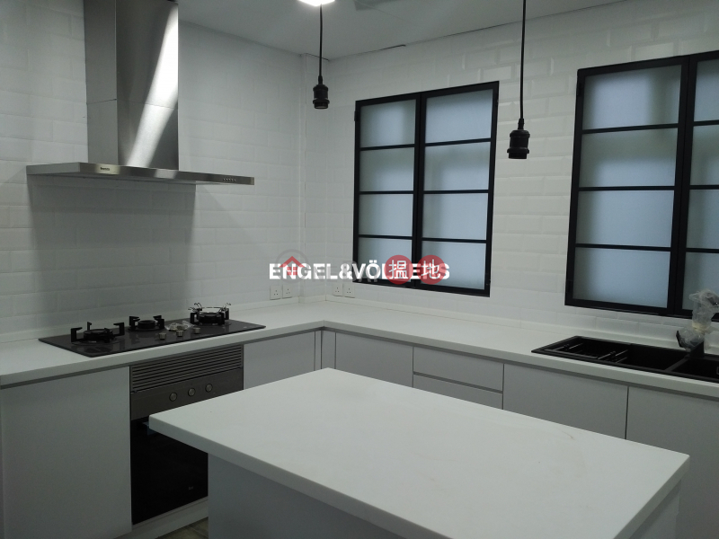 3 Bedroom Family Flat for Rent in Mid Levels West | Emerald Court 翡翠樓 Rental Listings