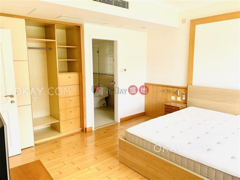 HK$ 90,000/ 月雲暉大廈C座灣仔區3房2廁,實用率高,極高層,連車位《雲暉大廈C座出租單位》