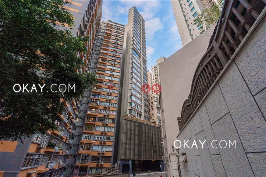 Stylish 3 bedroom on high floor with balcony   For Sale   The Babington 巴丙頓道6D-6E號The Babington Sales Listings