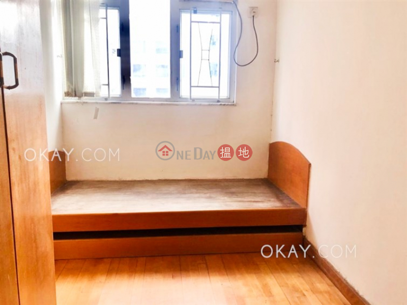 HK$ 8M Four Sea Mansion, Wan Chai District Popular 3 bedroom on high floor | For Sale