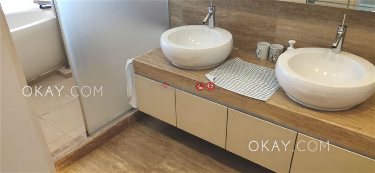 Beautiful 3 bedroom on high floor with balcony | For Sale | La Place De Victoria 慧雲峰 Sales Listings