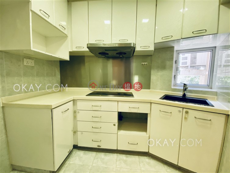 Nicely kept 3 bedroom in Quarry Bay | For Sale | Mount Parker Lodge Block B 康景花園B座 Sales Listings