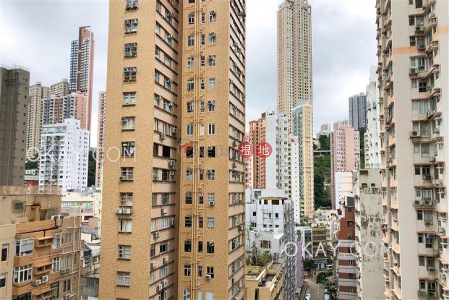 Efficient 2 bedroom with balcony | Rental | Village Tower 山村大廈 Rental Listings