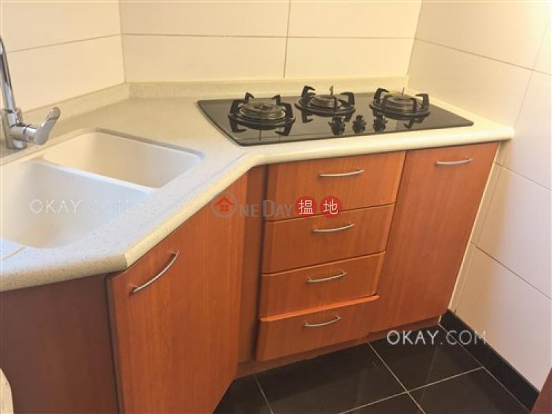 HK$ 35,000/ month 2 Park Road, Western District Elegant 2 bedroom with balcony | Rental