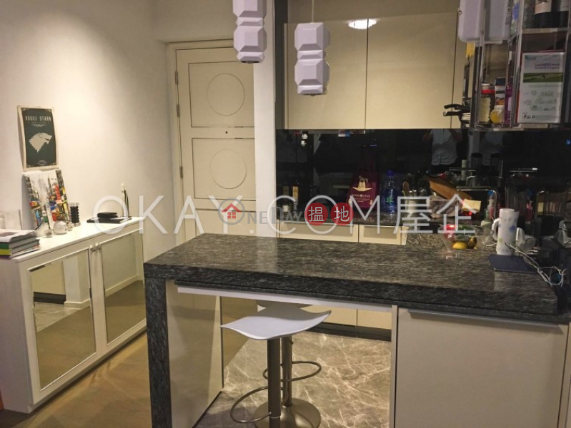 Gorgeous 1 bedroom on high floor with balcony   For Sale   The Pierre NO.1加冕臺 Sales Listings