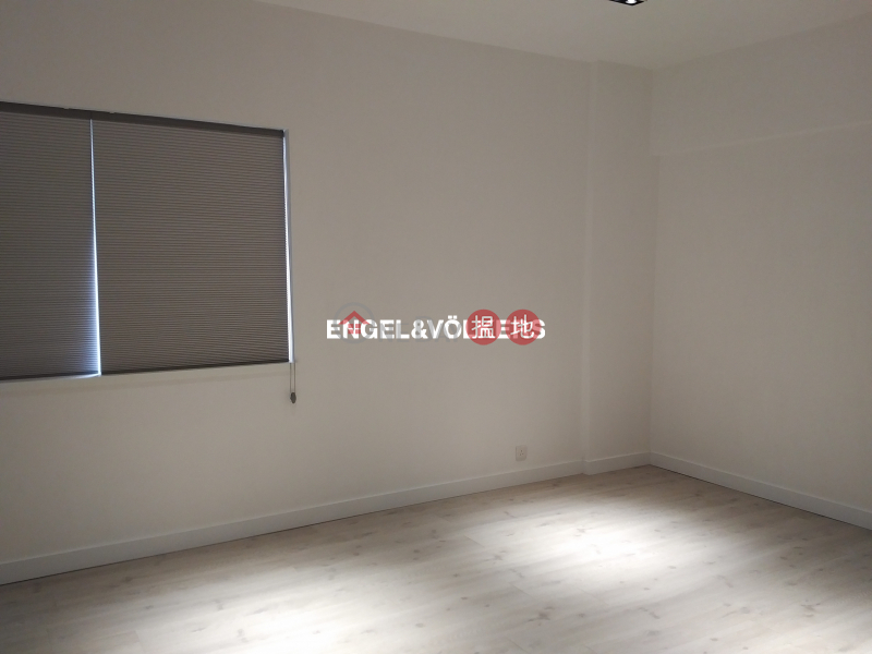 HK$ 80,000/ month | Emerald Court, Western District, 3 Bedroom Family Flat for Rent in Mid Levels West