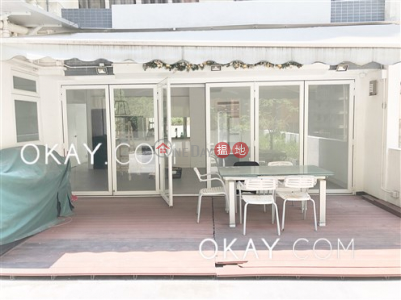 HK$ 65,000/ month, Grand Court | Wan Chai District Gorgeous 3 bedroom with terrace & parking | Rental