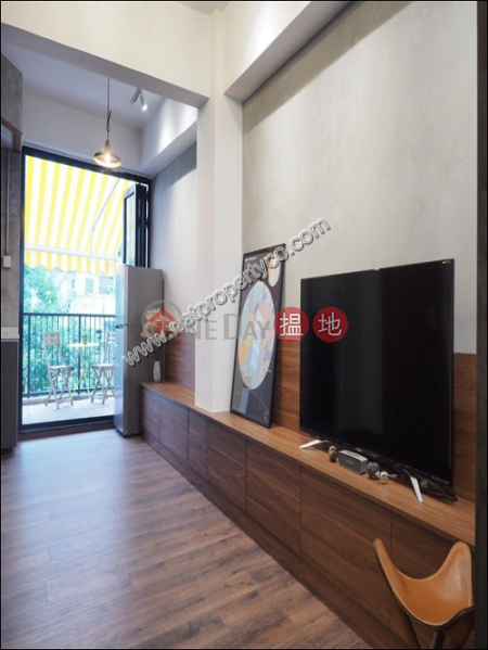 Stylish Residential unit with Balcony in Central | 65 Hollywood Road 荷李活道65號 Rental Listings