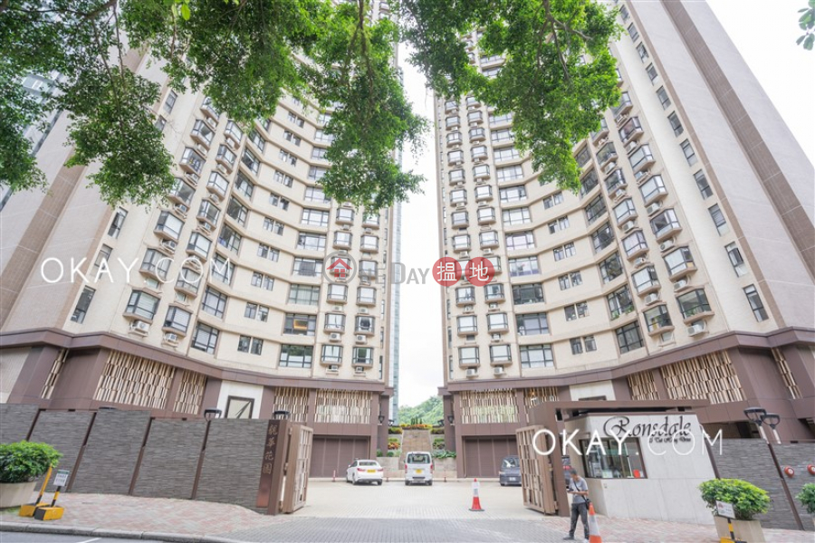 Lovely 3 bedroom with balcony & parking   Rental   Ronsdale Garden 龍華花園 Rental Listings