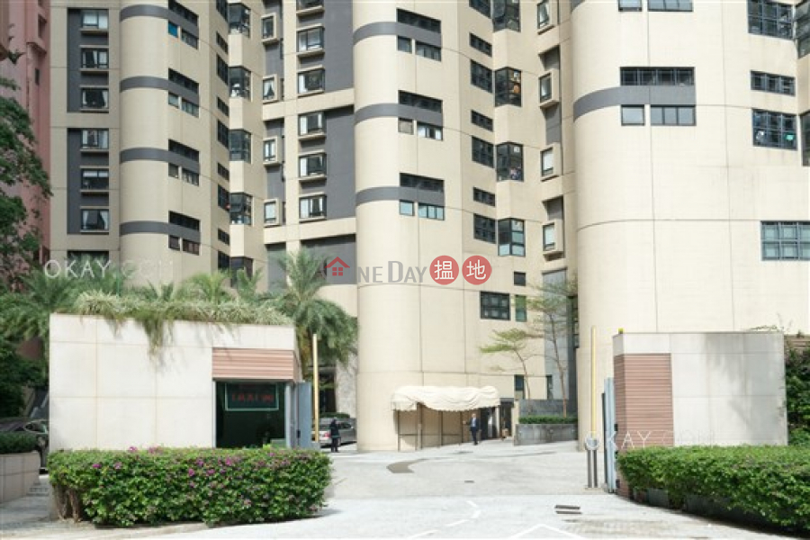 Gorgeous 2 bed on high floor with harbour views | Rental | Queen\'s Garden 裕景花園 Rental Listings