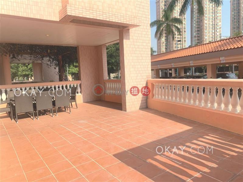 Stylish 4 bedroom with sea views, balcony | Rental | Hong Kong Gold Coast 黃金海岸 Rental Listings