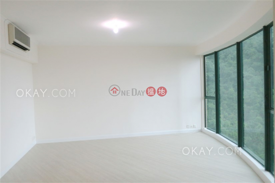 Gorgeous 3 bedroom with parking   Rental, Hillsborough Court 曉峰閣 Rental Listings   Central District (OKAY-R18859)