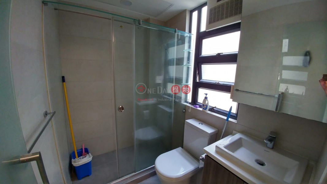 HK$ 18,800/ month | Kwong Wah Building, Wan Chai District High Floor 2 bed Room