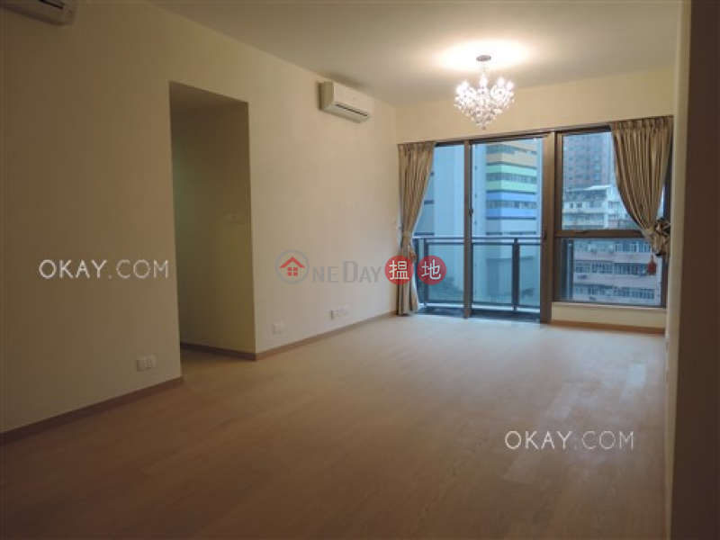 HK$ 45,000/ month | Grand Austin Tower 1, Yau Tsim Mong, Luxurious 3 bedroom with balcony | Rental