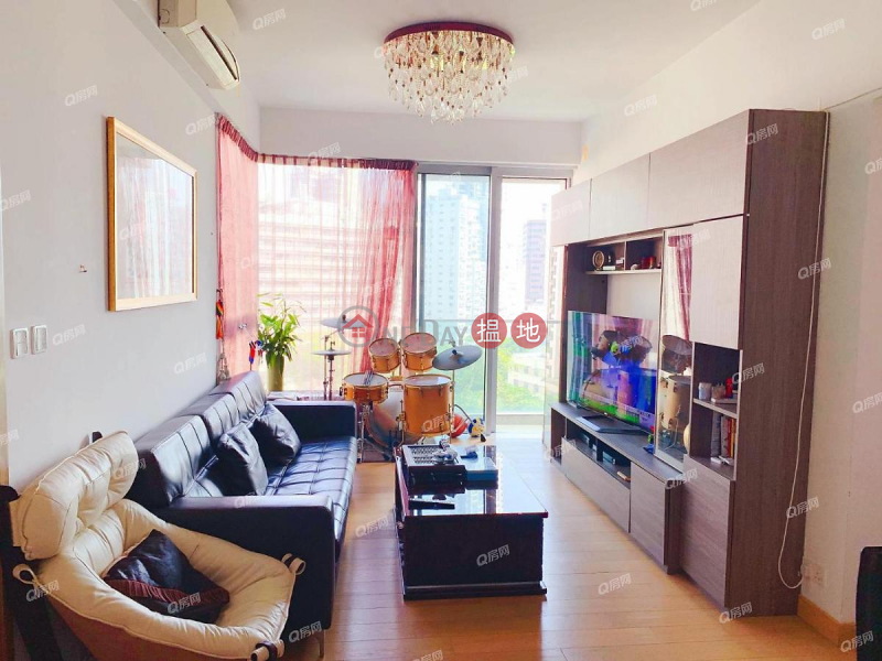 HK$ 58,500/ month One Wan Chai Wan Chai District | One Wan Chai | 3 bedroom Low Floor Flat for Rent