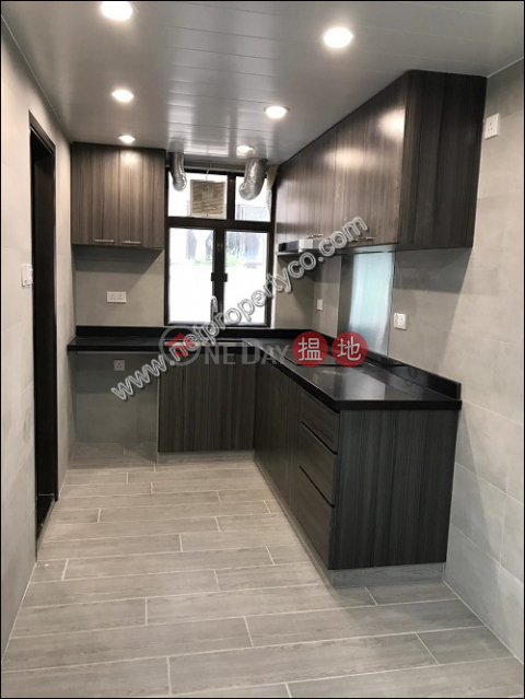 Large unit with a balcony for rent in Causeway Bay|Fairview Mansion(Fairview Mansion)Rental Listings (A067713)_0