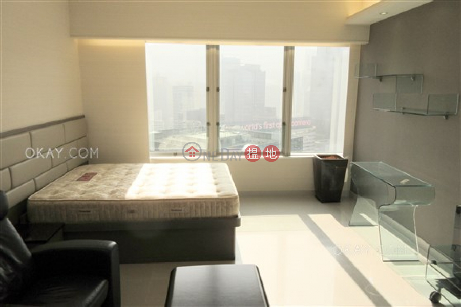 Convention Plaza Apartments, High Residential Rental Listings HK$ 26,000/ month