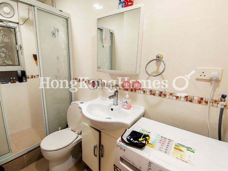 3 Bedroom Family Unit for Rent at Asia Mansions, 390-394 King\'s Road | Eastern District, Hong Kong Rental HK$ 24,000/ month