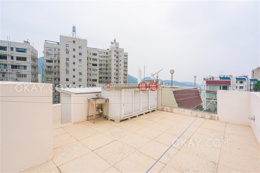 HK$ 150M, Repulse Bay Heights Southern District Lovely house with rooftop & parking | For Sale