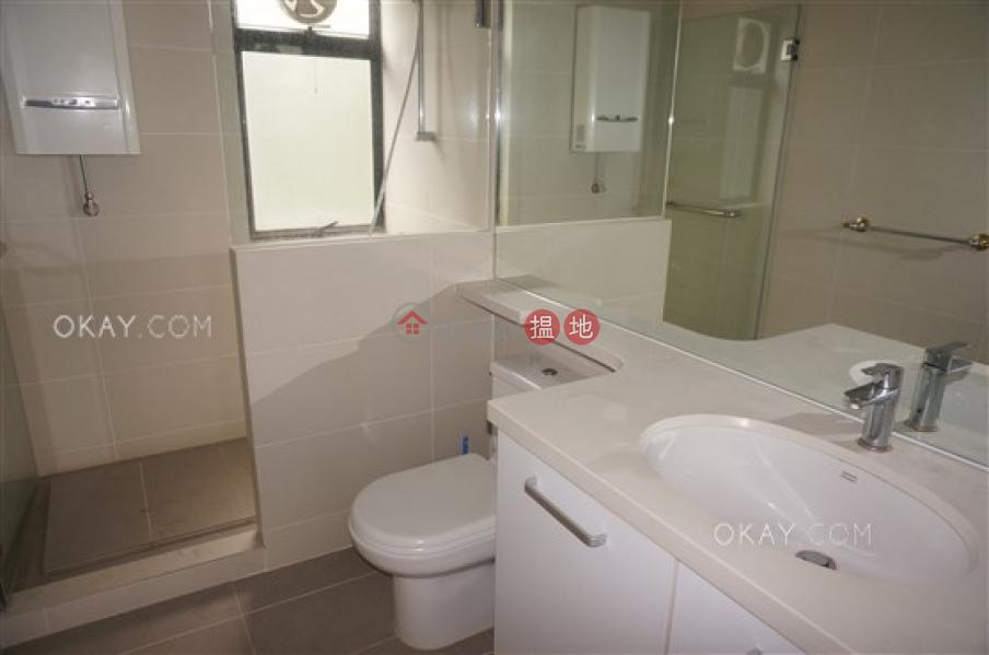 Luxurious 3 bedroom with balcony & parking   Rental   Grand Garden 華景園 Rental Listings