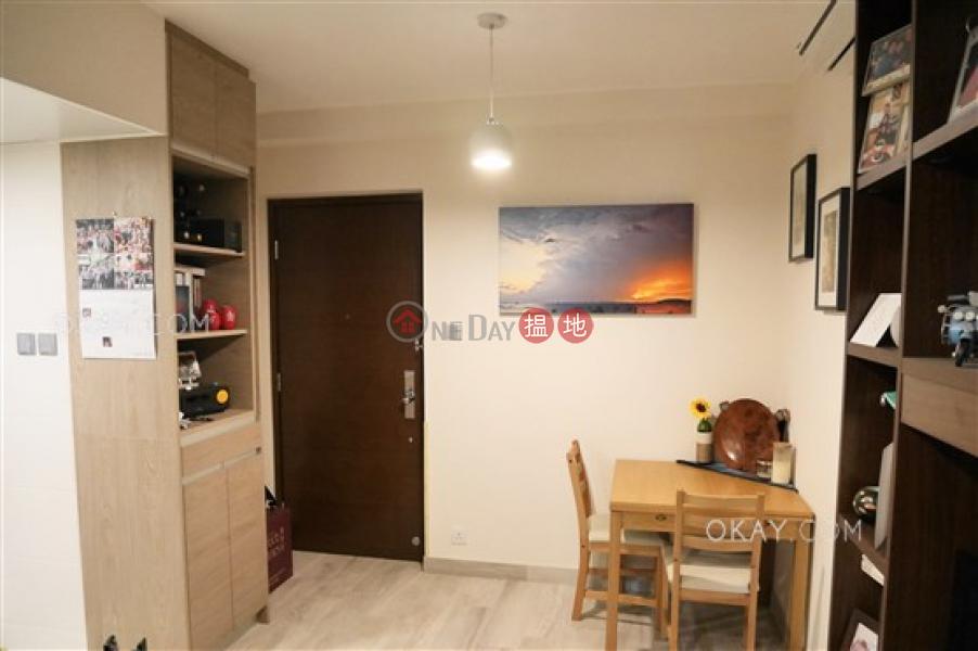 HK$ 950萬-駿逸峰-灣仔區2房1廁,星級會所,可養寵物,連租約發售《駿逸峰出售單位》