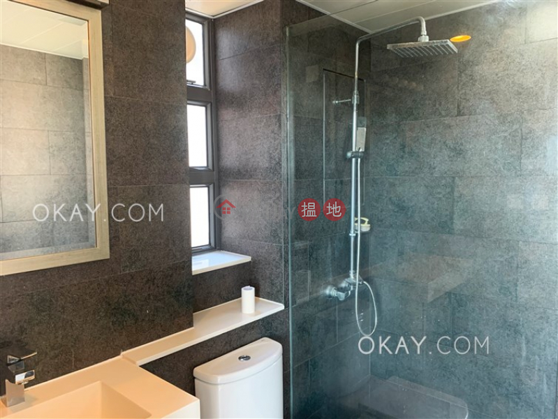 Charming 1 bedroom on high floor with harbour views | For Sale | Hollywood Terrace 荷李活華庭 Sales Listings