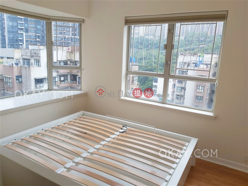 HK$ 32,000/ month, Island Place, Eastern District Nicely kept 3 bedroom on high floor   Rental