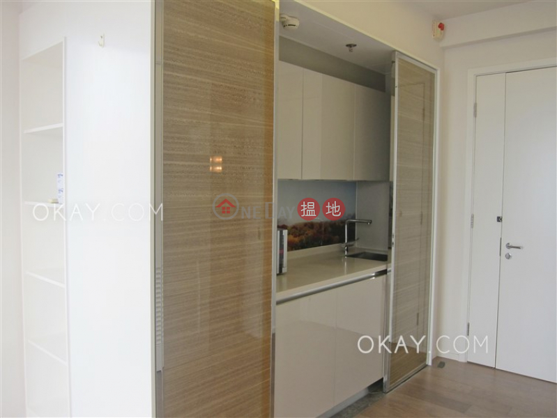 HK$ 28,000/ month | The Warren | Wan Chai District | Cozy 1 bed on high floor with harbour views & balcony | Rental