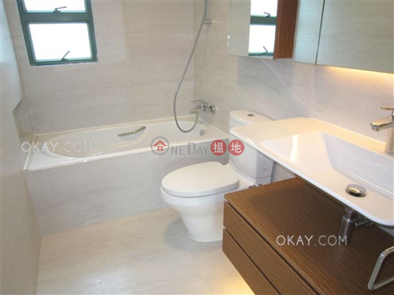 HK$ 39,800/ month Discovery Bay, Phase 8 La Costa, Block 6 Lantau Island | Luxurious 3 bedroom with balcony | Rental
