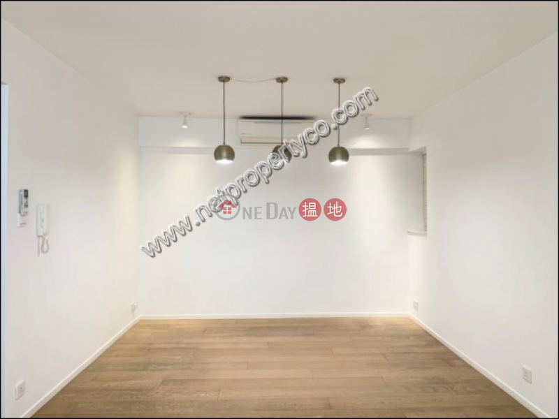 A designer decorated apartment, Blessings Garden 殷樺花園 Rental Listings | Western District (A031109)