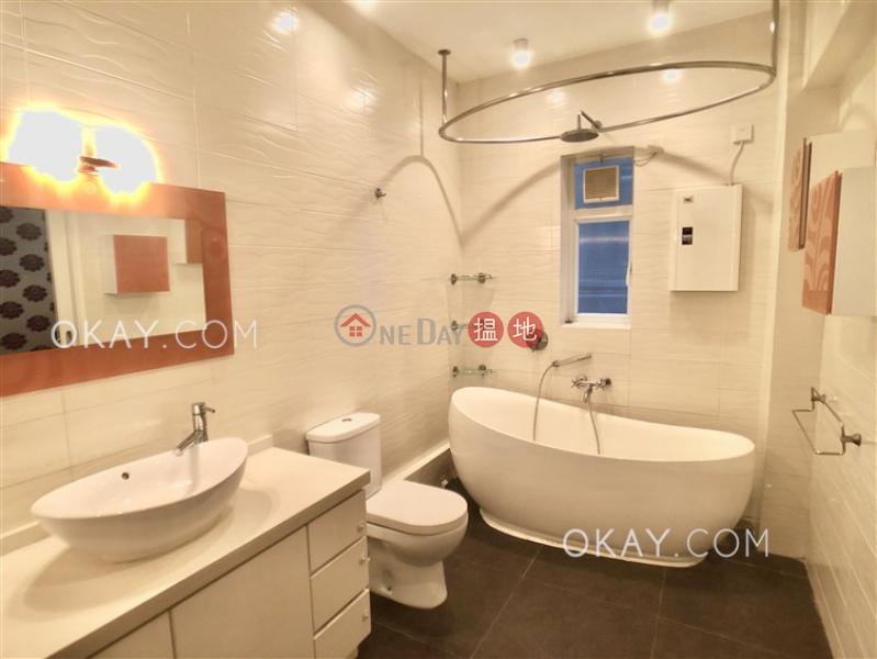 Blue Pool Mansion Middle Residential, Rental Listings HK$ 46,000/ month
