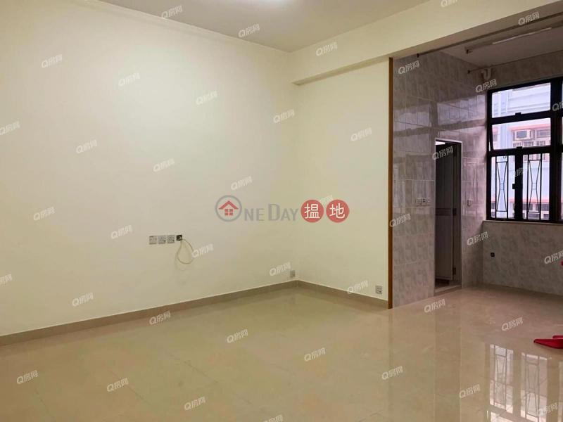 間隔實用,交通方便,有匙即睇《萬年街15號租盤》-15萬年街 | 西貢香港-出租|HK$ 17,000/ 月
