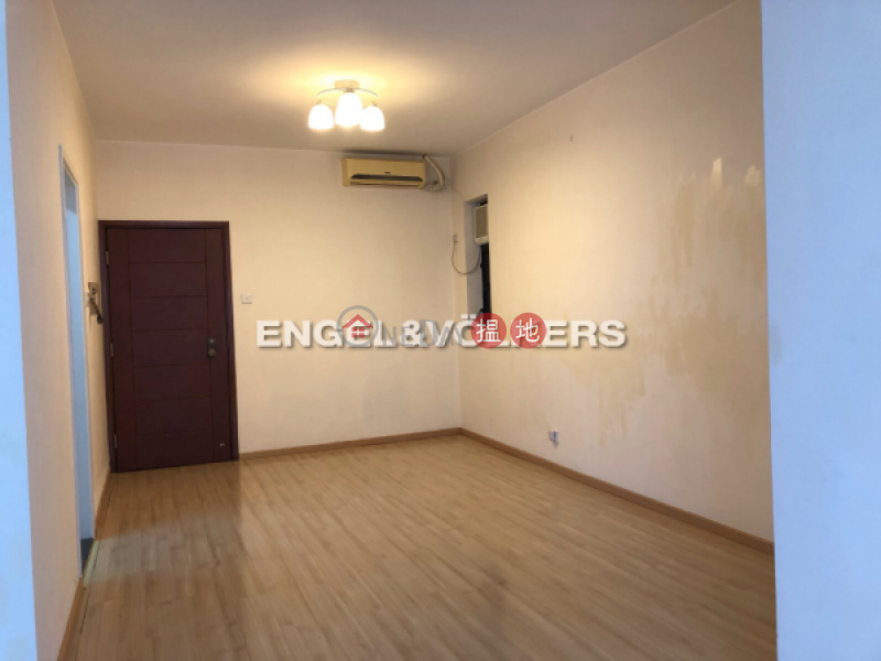 Property Search Hong Kong | OneDay | Residential Rental Listings 3 Bedroom Family Flat for Rent in Sheung Wan