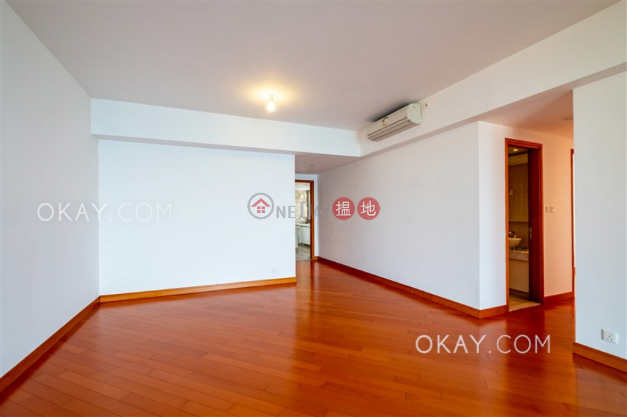 HK$ 75,000/ month Phase 6 Residence Bel-Air Southern District | Unique 3 bedroom on high floor with balcony & parking | Rental