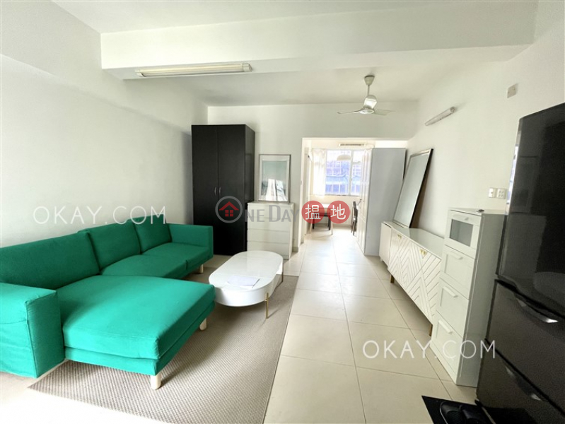 Stylish 1 bedroom on high floor with rooftop | For Sale | 175 Queen\'s Road West 皇后大道西 175 號 Sales Listings