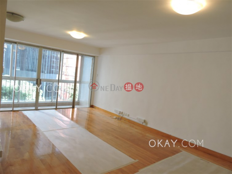Efficient 3 bedroom with balcony & parking | For Sale | Block 5 Phoenix Court 鳳凰閣 5座 Sales Listings