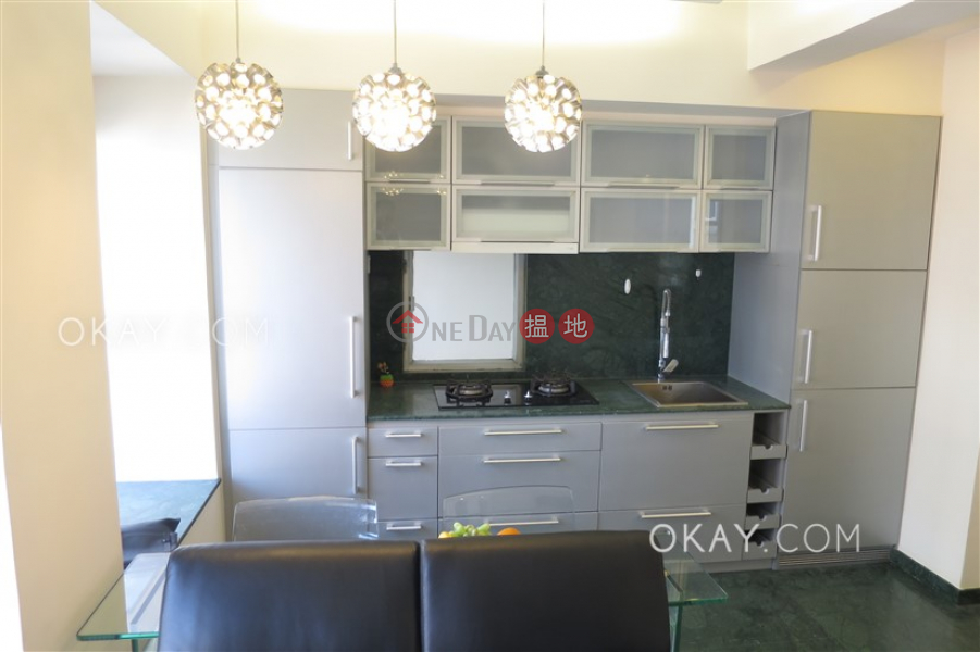 Cozy 1 bedroom on high floor | For Sale, Floral Tower 福熙苑 Sales Listings | Western District (OKAY-S5716)