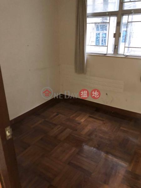 Low Floor - easy transportation, Po Fung Building 寶豐大廈 Rental Listings | Western District (63426-9381767370)