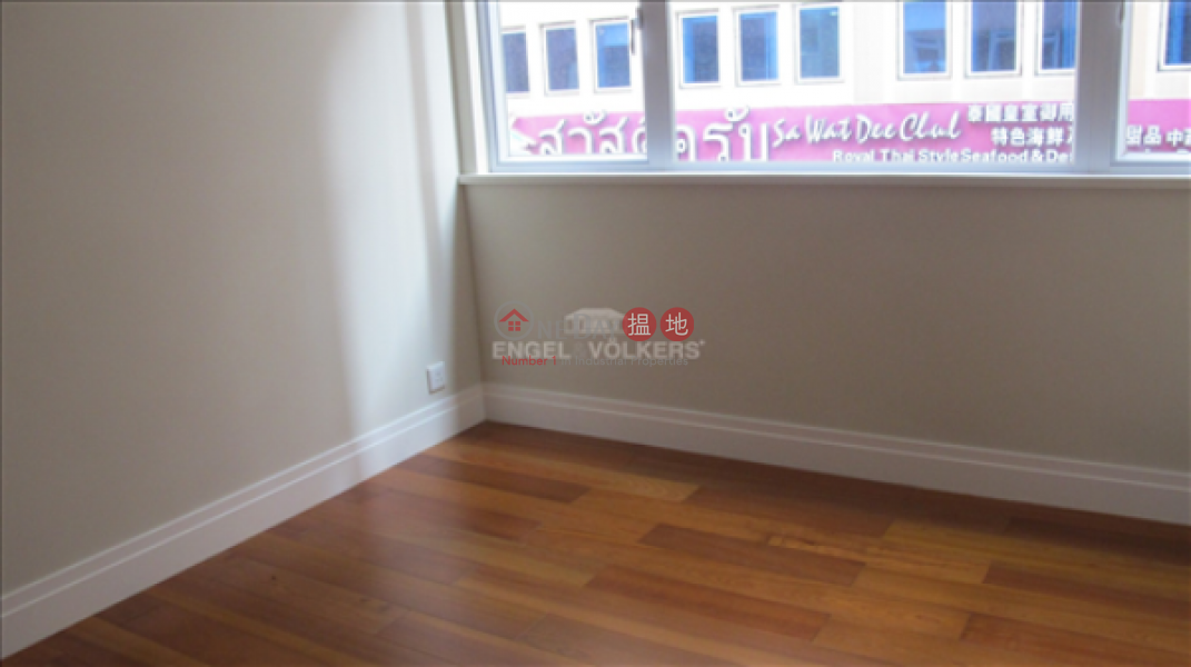 2 Bedroom Flat for Sale in Soho, Tai Shing Building 大成大廈 Sales Listings | Central District (EVHK8347)