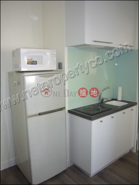 HK$ 12,800/ month, Kwong Tak Building Wan Chai District, One good size bedroom unit for Rent in Wan Chai