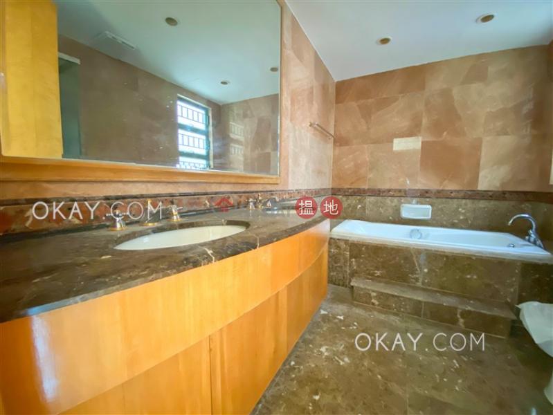 5房3廁,連車位,獨立屋蔚海山莊出租單位|蔚海山莊(Villa Costa)出租樓盤 (OKAY-R16923)