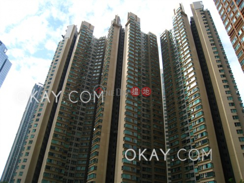 Unique 3 bedroom in Kowloon Station | Rental | The Waterfront Phase 1 Tower 1 漾日居1期1座 Rental Listings