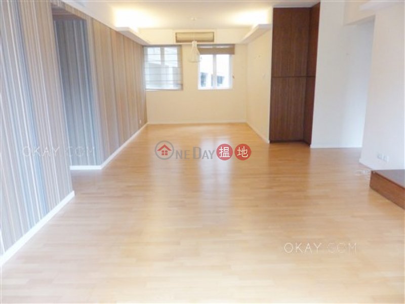 HK$ 35M, Seaview Mansion | Central District | Rare 3 bedroom with balcony & parking | For Sale