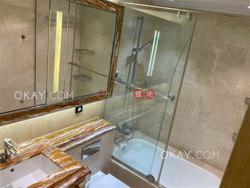 Gorgeous 3 bedroom with balcony & parking | Rental | Providence Bay Providence Peak Phase 2 Tower 2 天賦海灣二期 溋玥2座 Rental Listings