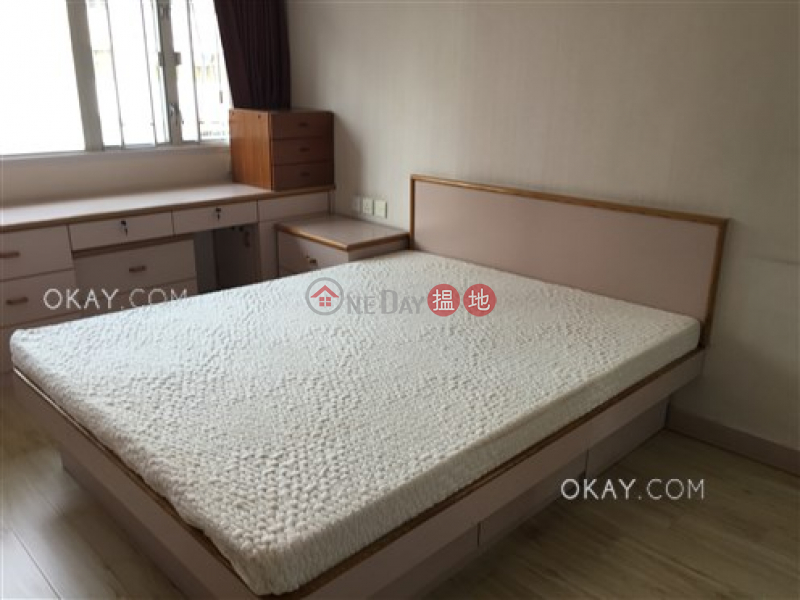 Efficient 3 bedroom on high floor with balcony | For Sale | Silver Star Court 銀星閣 Sales Listings