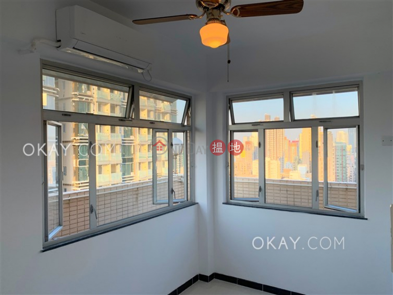 Charming penthouse with sea views, rooftop & terrace | Rental | Block B KingsField Tower 景輝大廈B座 Rental Listings