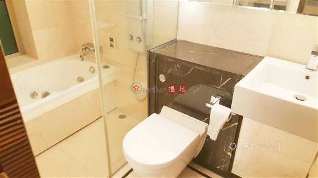 HK$ 37,000/ 月一號銀海1座|油尖旺-3房2廁,極高層,星級會所,露台《一號銀海1座出租單位》