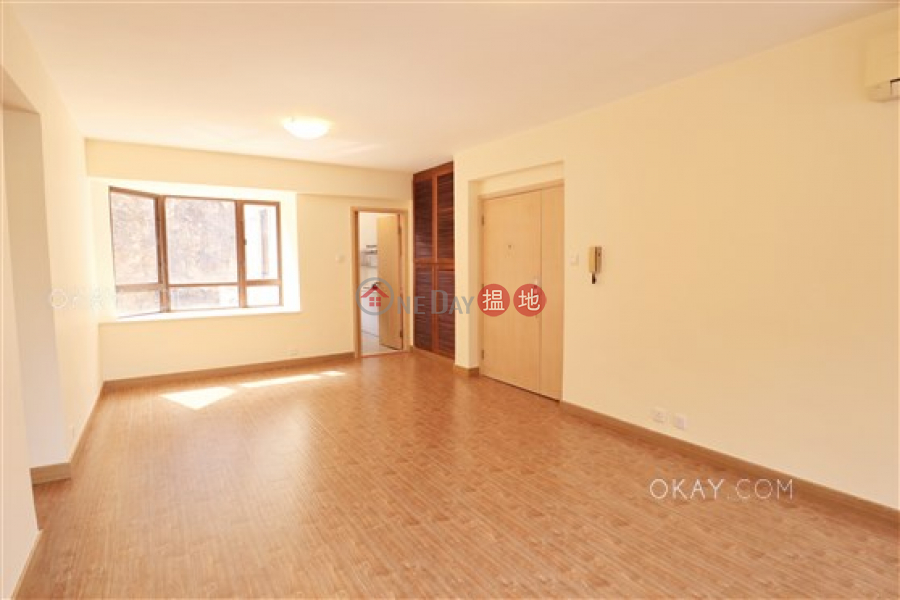 HK$ 45,000/ month | South Bay Garden Block C, Southern District | Tasteful 2 bedroom with balcony & parking | Rental