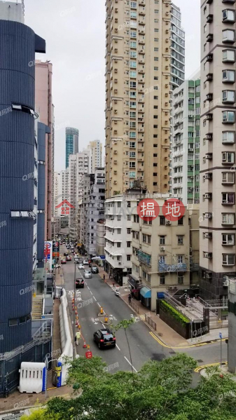 HK$ 7.7M V Happy Valley Wan Chai District   V Happy Valley   2 bedroom Low Floor Flat for Sale