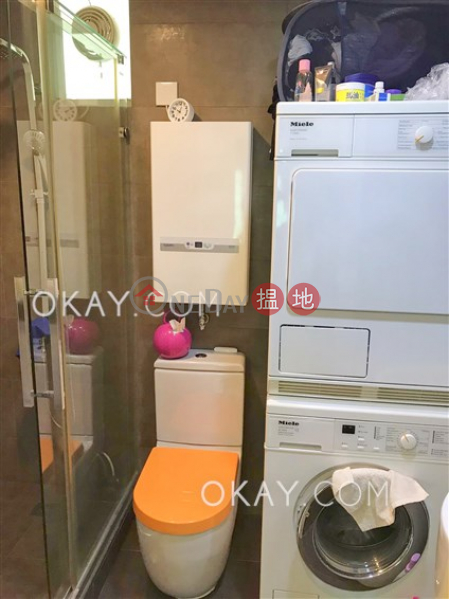HK$ 12M, (T-14) Loong Shan Mansion Kao Shan Terrace Taikoo Shing, Eastern District | Gorgeous 2 bedroom in Quarry Bay | For Sale
